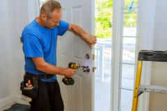 How-to-Fix-a-Sagging-Door-830x464